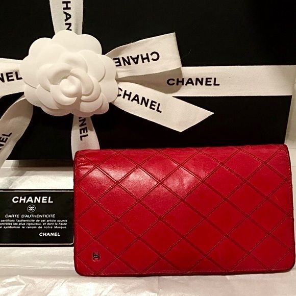 Auth  CHANEL Double Stitch Quilted Bifold Wallet